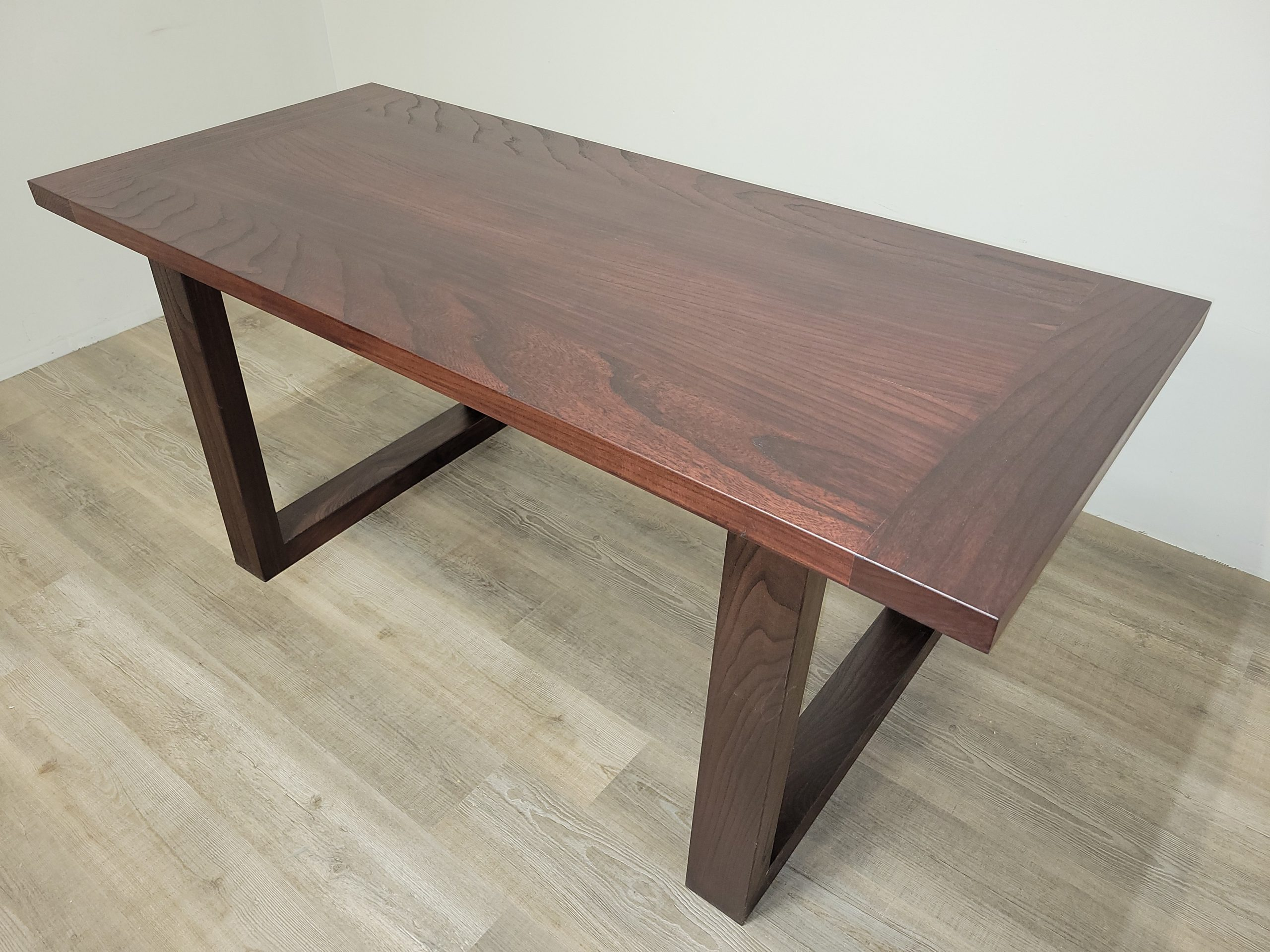 https://competitivewoodcraft.com/wp-content/uploads/2020/11/Dining-Tabe-scaled.jpg