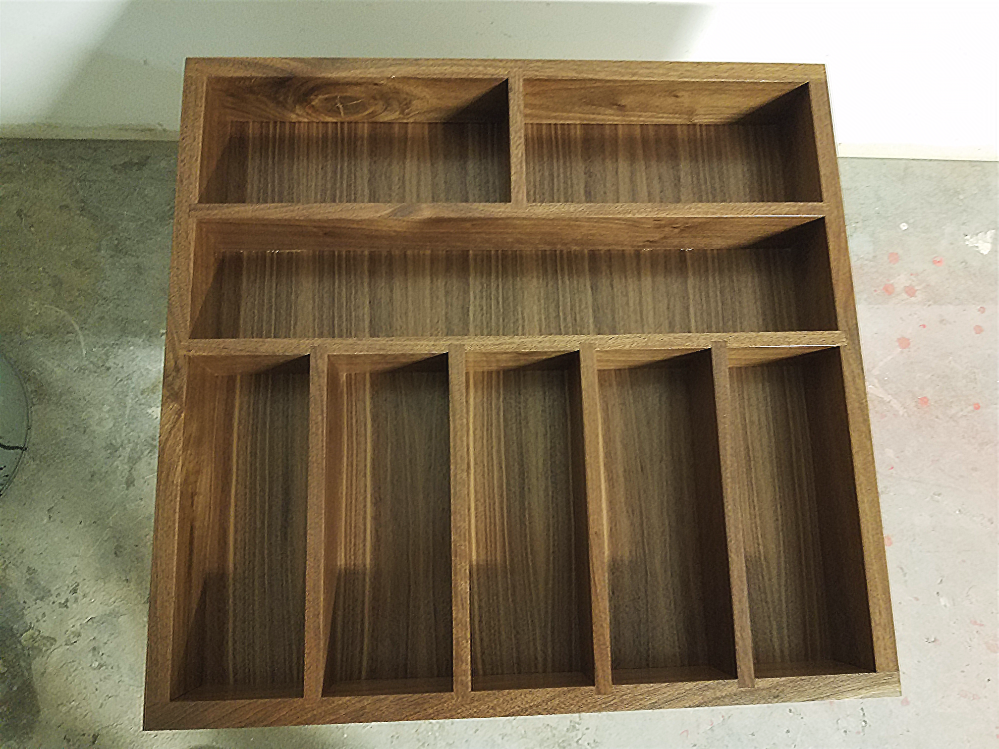 https://competitivewoodcraft.com/wp-content/uploads/2021/01/hero-Walnut-divided-drawer-box.png