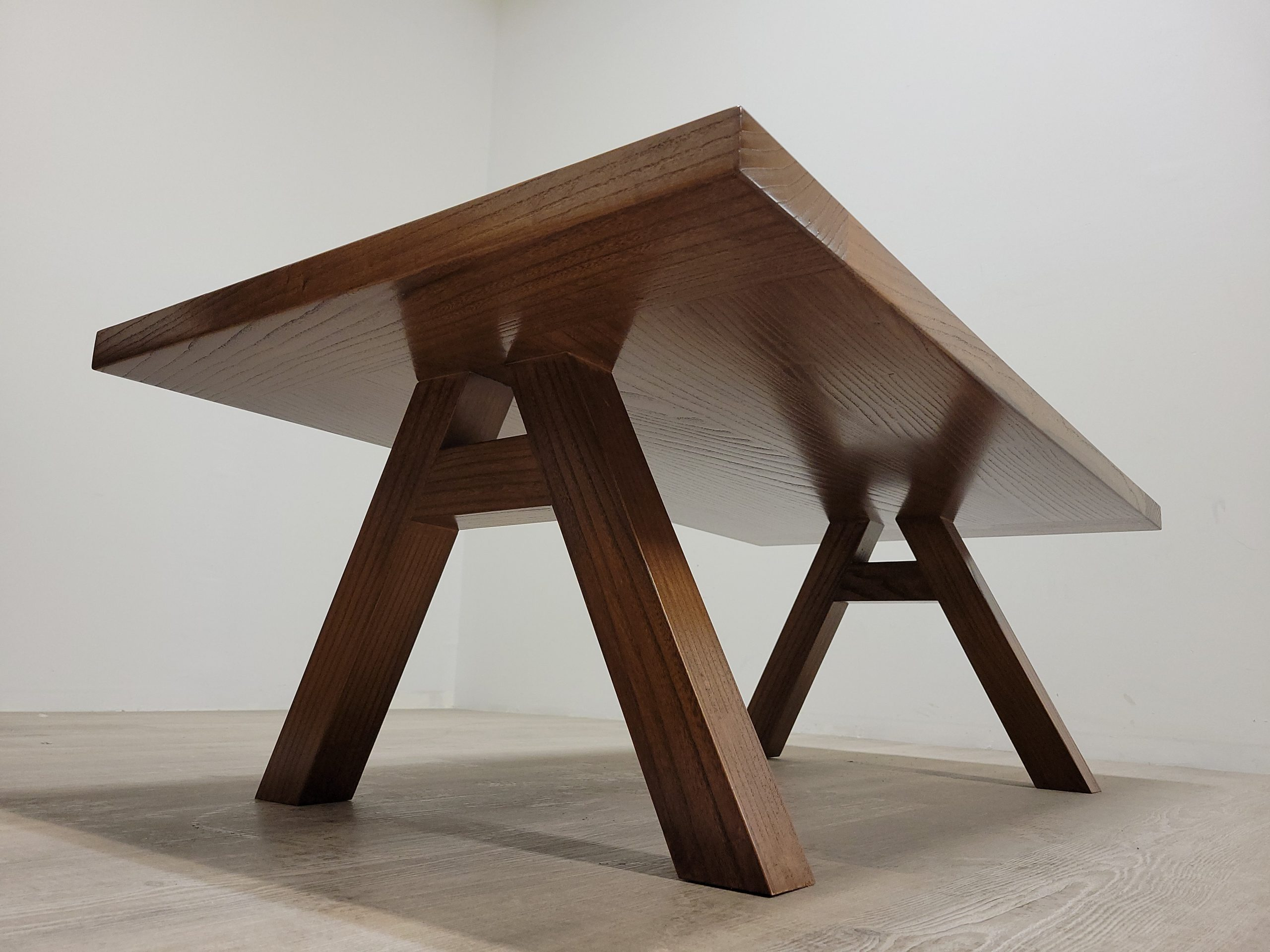 https://competitivewoodcraft.com/wp-content/uploads/2021/03/Coffe-Tables3-scaled.jpg