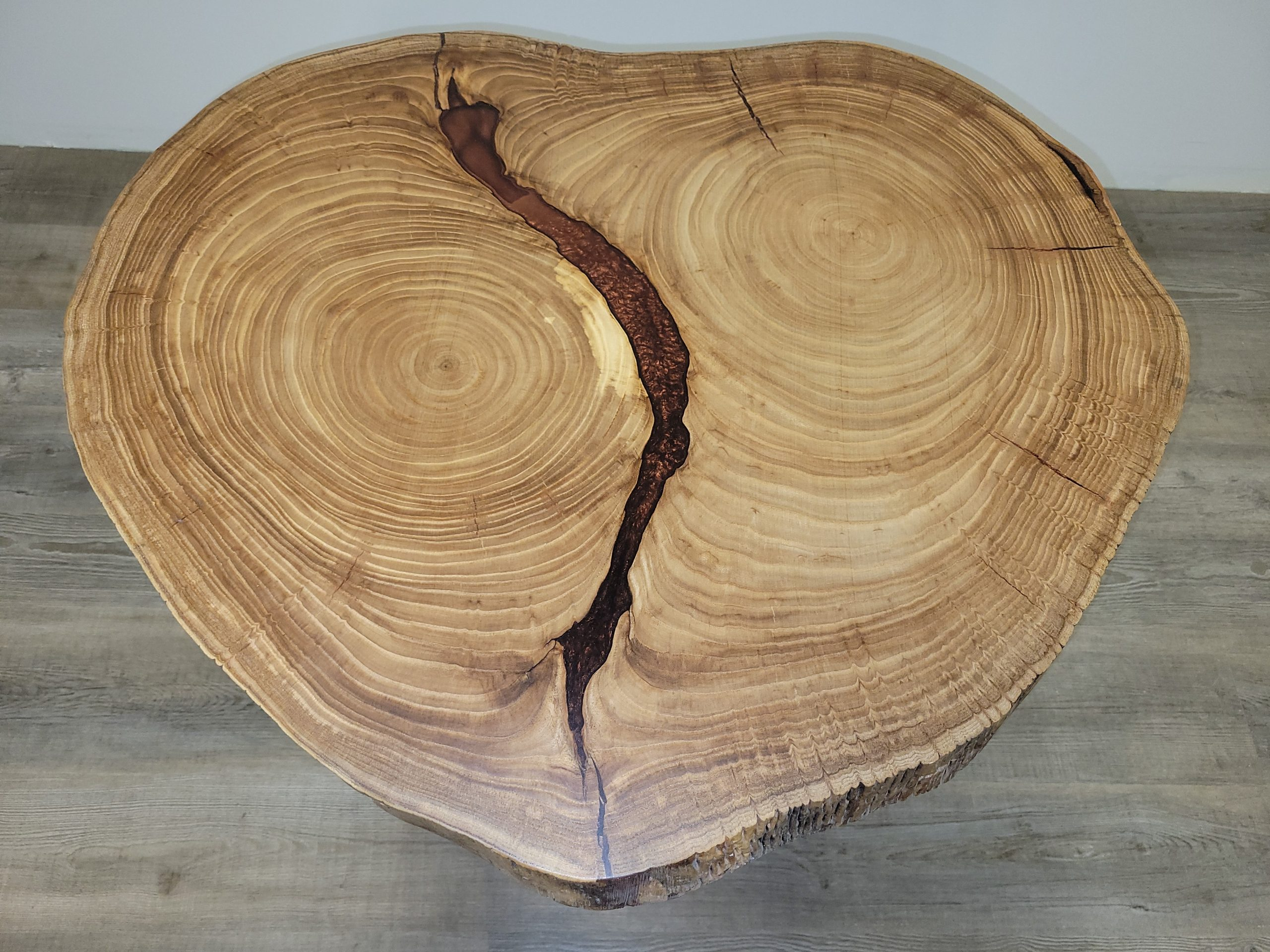 https://competitivewoodcraft.com/wp-content/uploads/2021/03/Live-Edge-Coffee-Table-3-scaled.jpg